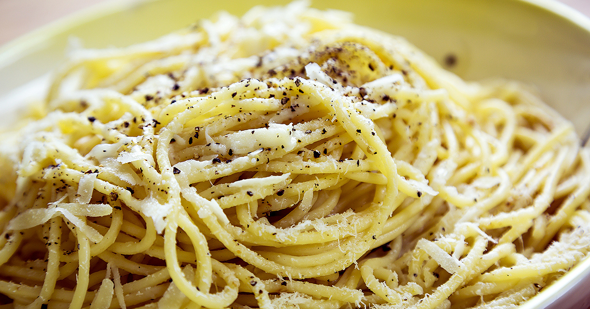 Cacio e Pepe: Spaghetti with a No-Cook Pecorino & Black Pepper Sauce ...
